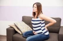 أسباب آلام الظهر أثناء الولادة وكيف تتغلبين عليها