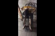 بالفيديو : الكرسي الذي اخترعته الصين لتعذيب مسلمي الايغور