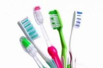 10 استخدامات مذهلة لا تعرفينها عن فرشاة الأسنان