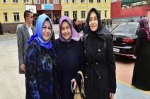 تعرف على أول رئيسة بلدية محجبة في تاريخ إسطنبول