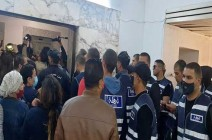 شاهد : الأمن التونسي يقتحم وكالة الأنباء الرسمية لتنصيب رئيس مدير عام جديد