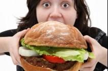 إحذروا: الإفراط في تناول الطعام يُضعف الذاكرة و..!