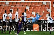 """برشلونة يفوز على فالنسيا و ميسي يروض """"الخفافيش"""".. فيديو"""