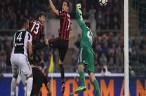 قبل أن يلعب أي مباراة... ميلان يعلن إصابة لاعبه الكرواتي بمرض في القلب