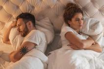 لا تقارني زوجك بالآخرين.. 5 تصرفات تنفر زوجك منكِ فوراً فاحذري!