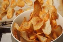 أثناء الحمل.. إياكِ تناول رقائق البطاطا!