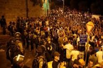 الاحتلال يعتدي على مصلين قرب باب الأسباط بالأقصى .. بالفيديو