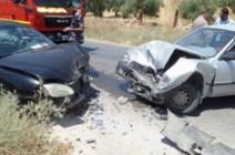 وفاة وإصابتان بحادث تصادم على الطريق الصحراوي