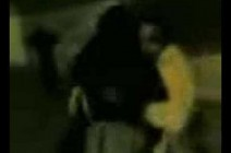 شاهد فيديو كارثي شاب يتحرش بزوجة أخية المنتقبه