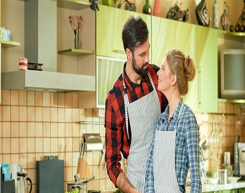 الطبخ بمشاركة زوجك يفيد زواجك بأربع طرق