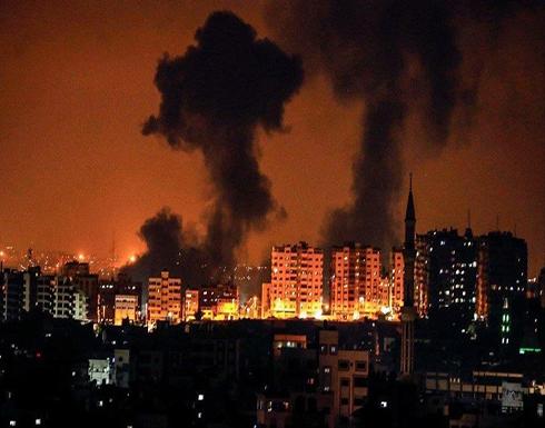 شاهد : غارات إسرائيلية على مواقع في قطاع غزة