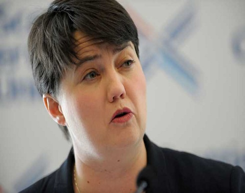 """زعيمة حزب المحافظين الأسكتلندي تطالب بالدفاع عن المسلمات وتؤكد: """"النقاب"""" كما ارتداء """"الصليب """""""