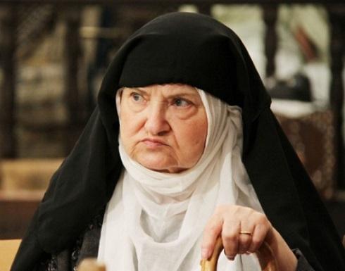 بعد تخطيها الـ90 من عمرها.. أنطوانيت نجيب تفاجئ جمهورها بهذه الإطلالة