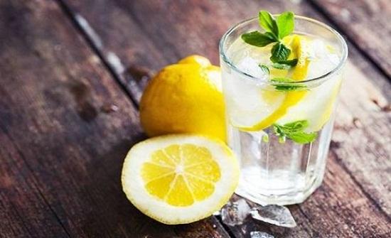 هل من الصحيّ شرب الماء والليمون على الريق؟