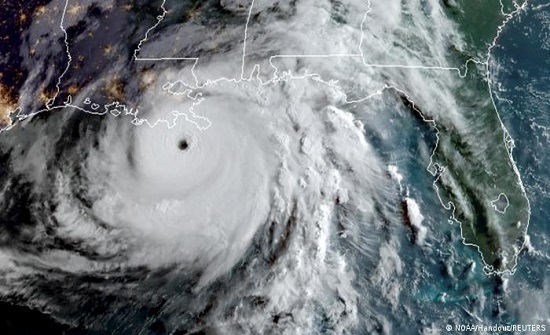 """""""الخارجية"""" تحذر المواطنين المقيمين بالولايات المتأثرة بإعصار """"إيدا"""""""