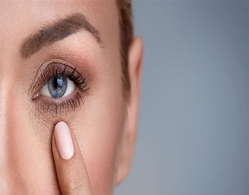 أفضل الزيوت للتخلص من التجاعيد تحت العينين