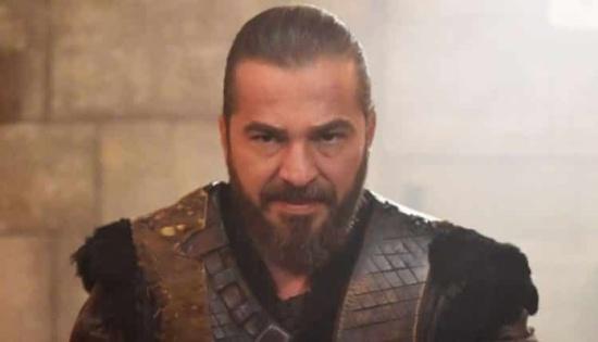"""بطل أرطغرل يعلق على قرار """"أم بي سي"""" وقف المسلسلات التركية"""