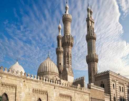 مصر.. إغلاق جميع المساجد والكنائس وتعليق الصلوات بسبب كورونا