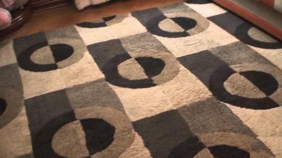12 نصيحة وطريقة لتنظيف سجاد المنزل