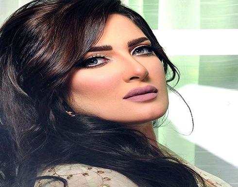 """بالفيديو..هبة الدري ترد على منتقدة لها: تدخلتي في """"أخلاق جسمي"""" أنا حرة وأحبه كده !"""