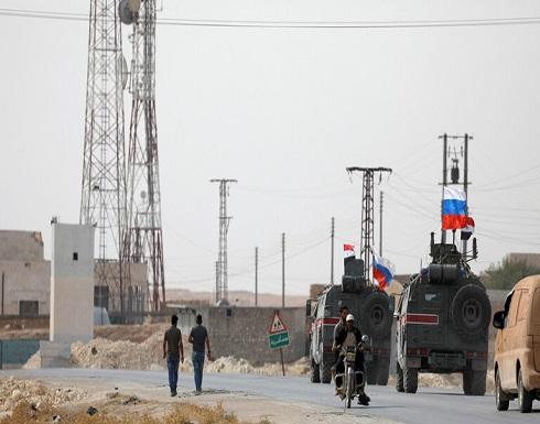 الشرطة العسكرية الروسية تؤمن قاعدة جوية أخلتها القوات الأمريكية شمالي سوريا