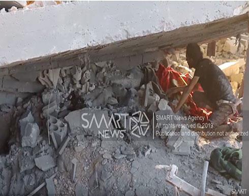 شاهد : ضحايا بقصف جوي للنظام على قرية جبالا بإدلب