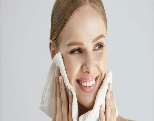هل يجب غسل الوجه مرة أو مرتين في اليوم؟
