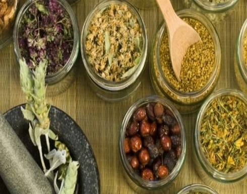 كارثة مغربي مصاب بفيروس كورونا اختار العلاج بالأعشاب