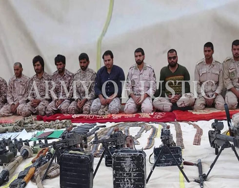 """5 جنود إيرانيين يصلون لبلدهم بعدما """"حررتهم"""" باكستان (صور)"""