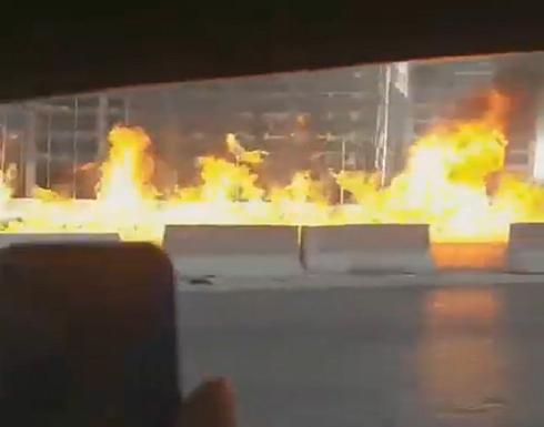 بالفيديو.. حادث مروري يُشعل شاحنة وقود ويُدمر 7 سيارات بطريقة مروعة