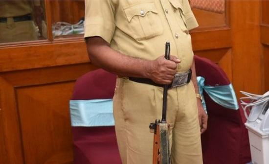 في الهند.. وزن الشرطي يحدد مستقبله