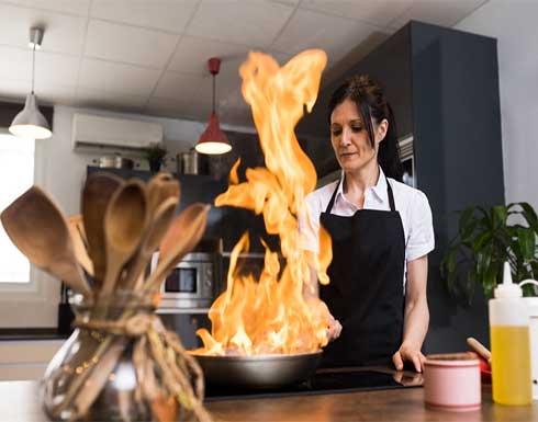 لسلامة عائلتك.. كيف تتجنبين حرائق المطبخ؟