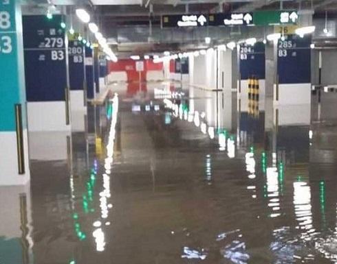 الطقس يعطّل الدراسة والعمل بالوزارات في الكويت