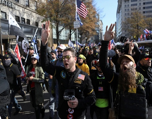 ترامب يحيي المتظاهرين المؤيدين له في العاصمة واشنطن .. بالفيديو
