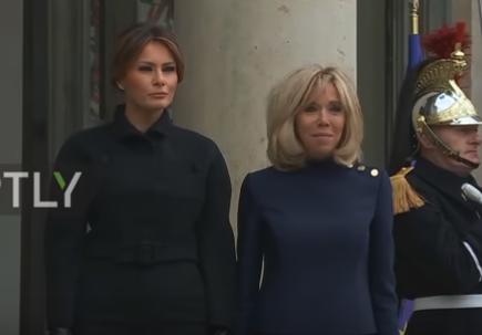 شاهد .. بريجيت ماكرون تستقبل ميلانيا ترامب في قصر الإليزيه