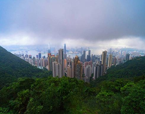 «هونغ كونغ» تمنح مواطنيها 15.4 مليار دولار.