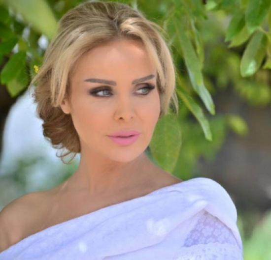 بالصور:- رولا سعد تلهب شوارع لبنان بأناقتها