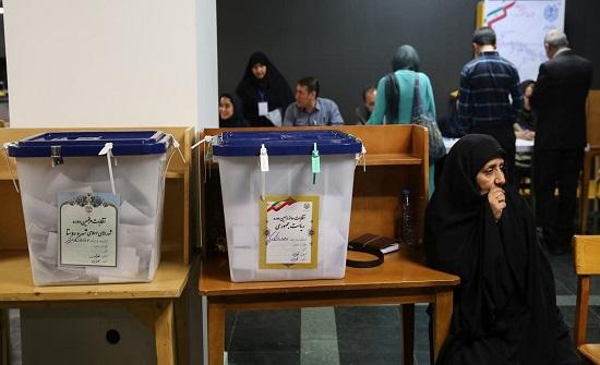 تخوف من مقاطعة الانتخابات في إيران.. وتهديد للممتنعين