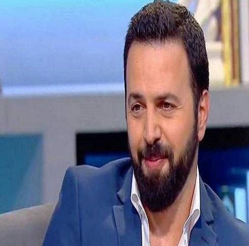 """نضال الأحمدية عن تيم حسن: """"خائن وحقير"""""""