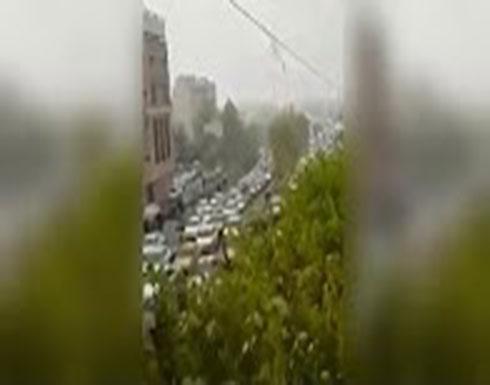 شاهد ..إيران: تعطل الحركة المرورية بشكل شبه كامل في طرق بطهران