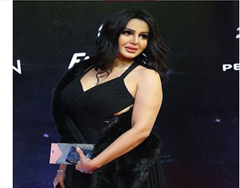 شاهد.. شيما الحاج على السجاة الحمراء في أول ظهور بعد خروجها من السجن