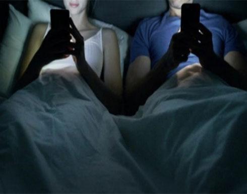 دراسة مغربية : استعمال الهواتف الذكية بشكل مفرط يتسبب في تراجع القدرة الجنسية