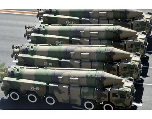 طهران تكشف عن منظومة صاروخية جديدة للدفاع الجوي