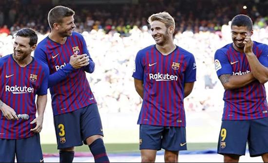 برشلونة يفسخ عقد لاعب وسط ميدانه