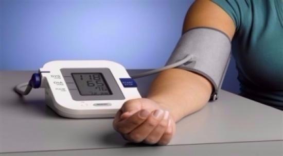 ما الطريقة الصحيحة لقياس ضغط الدم؟