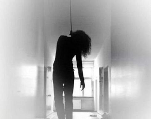 العثور على جثة فتاة مصرية معلقة بسقف حجرتها