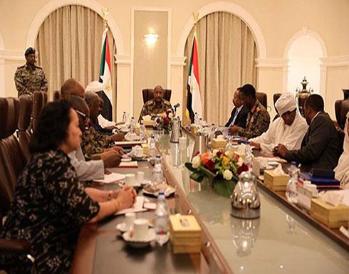 """وزير سوداني: """"الدولة العميقة"""" لنظام البشير ما تزال قائمة"""