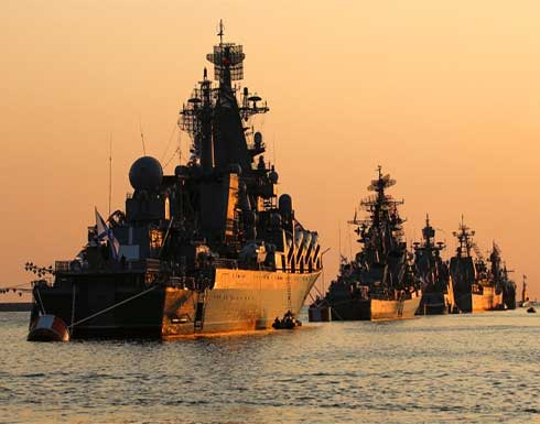 أوكرانيا.. الناتو يدعو روسيا لإنهاء التصعيد وموسكو تتحدث عن وجود طائرات مسيرة تركية وترسل سفنا إلى البحر الأسود