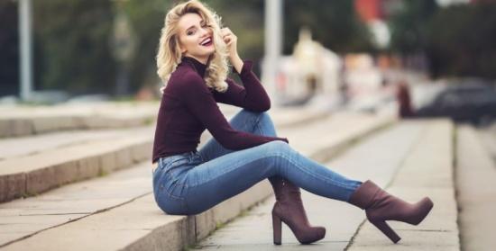 طرق جديدة وعصرية لارتداء الجينز