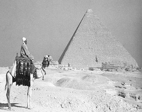 إكتشاف مدفن غامض في أحد الأهرامات في مصر!